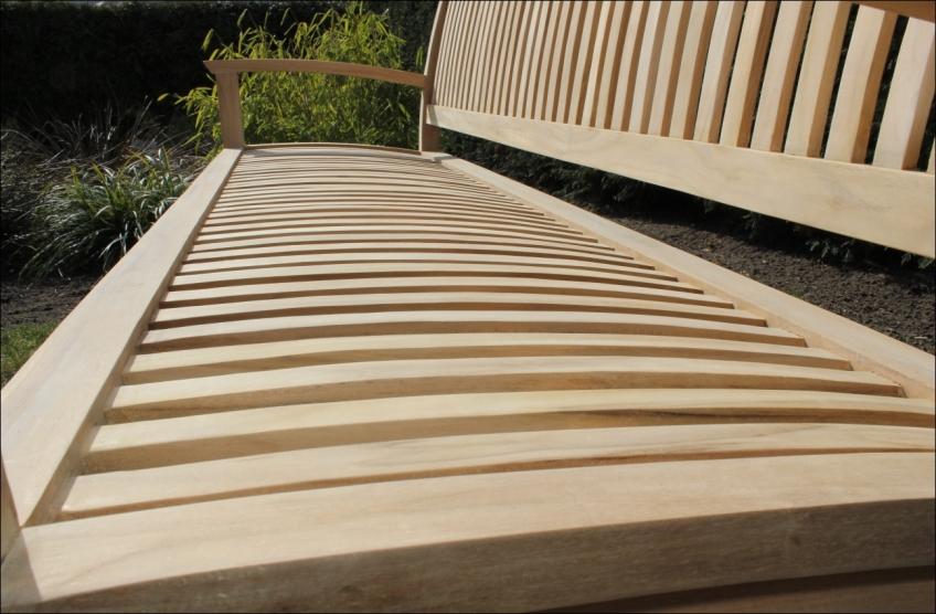 Gartenmobel Bei Norma : die streben der teakholz sitzbank sitzfläche und rückenlehne sind
